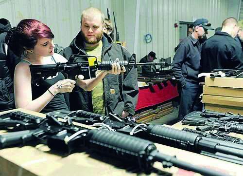 AR-15再成美国枪击案凶器 民间总销量超500万把