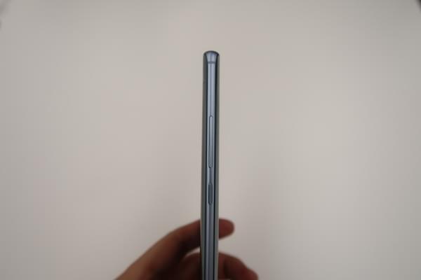 小米Note2双色图赏:精致双曲面屏的商务旗舰的照片 - 15