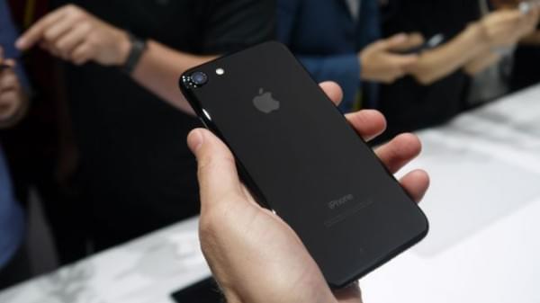 iPhone 7对决Galaxy S7:配置三星好 体验苹果好的照片 - 4