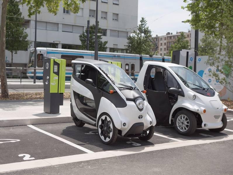 试驾丰田i-Road电动汽车:重量只有300KG的照片 - 15