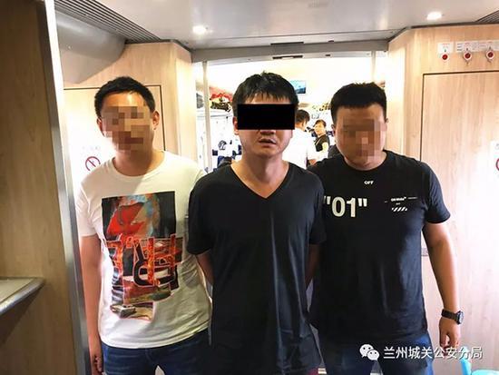 因理发价格纠纷杀人 甘肃嫌犯潜逃15年在浙江被抓