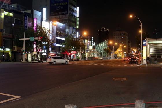 """台夜市国庆长假陆客少 业者:晚上""""空""""到能办运动会"""