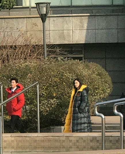 网友偶遇娜扎与窦骁开心拍戏 似不受分手影响