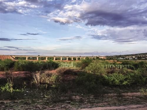 """蒙内铁路第二标段检验员卡雷博·比桑格·奥万格: """"时间将证明蒙内铁路是高质量的工程"""""""