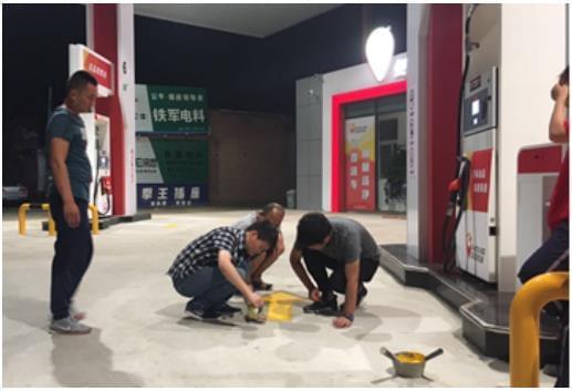 """1000家民营油站老板和30位车到加油""""金牌油站管家""""的故事"""