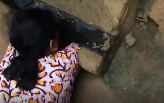 女子从排水管道掏出被弃新生男婴:以为是小奶猫叫