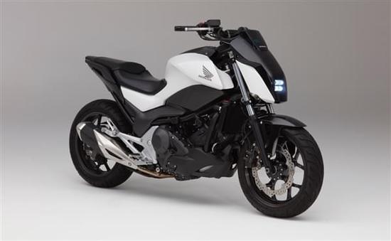 首发黑科技:丰田自平衡摩托车亮相CES