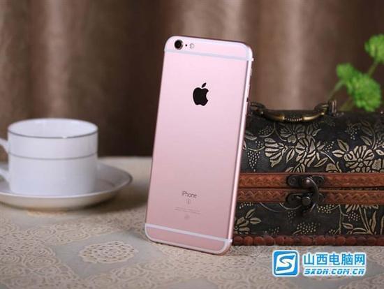 苹果 iPhone 6S Plus(全网通) 编辑点评:苹果iPhone 6S Plus采用的3DTouch直接改变了iPhone的操作系统,摄像头也终于有了大的升级。可以说是一个革命性的的变化,而它增加的玫瑰色,也吸引了更多女性消费者的目光。
