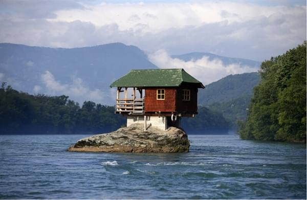 """全球""""最奇葩""""的房子设计:脑洞大开"""