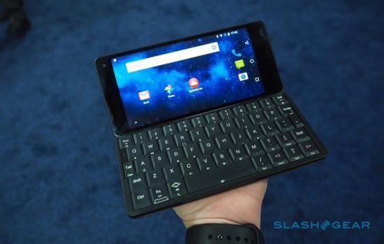 手机大小的笔记本电脑?运行双系统的Gemini PDA