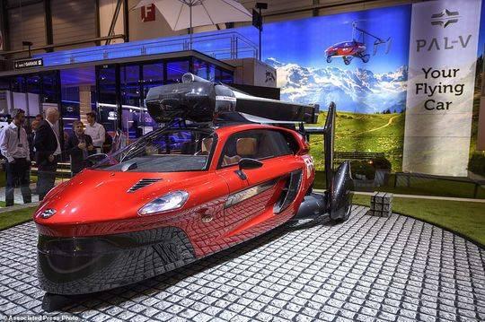 开车上天实现!全球首款飞行汽车亮相 售价60万美元