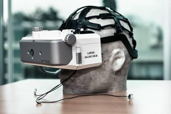 有人研发仿大脑芯片,让你在VR里感觉身临其境