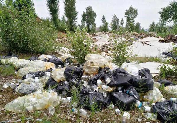 """榆林回应""""水源地旁倒医疗垃圾"""":未致污染 正调查"""