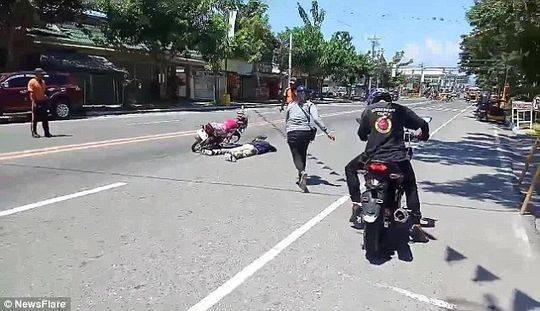 男友街头遇车祸死亡 女友到现场后却喜极而泣
