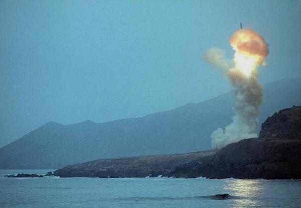"""美国""""民兵3""""导弹试射失败 在太平洋上空自毁"""