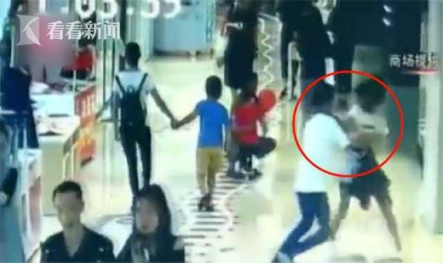 10分钟内两次猥亵 男子将12岁少女拖进消防通道
