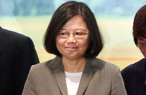 民进党党员:蔡当局执政烂还扯假新闻 非推翻不可