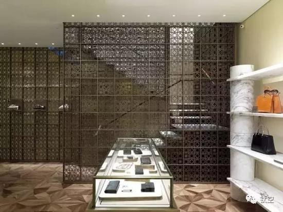 尽管时装设计师品位一流,也爱跨界, 但建筑师从建筑外立面到力学结构图片