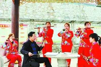 新春走基层·三湘风俗年| 侯家村:奏响民乐舞起龙