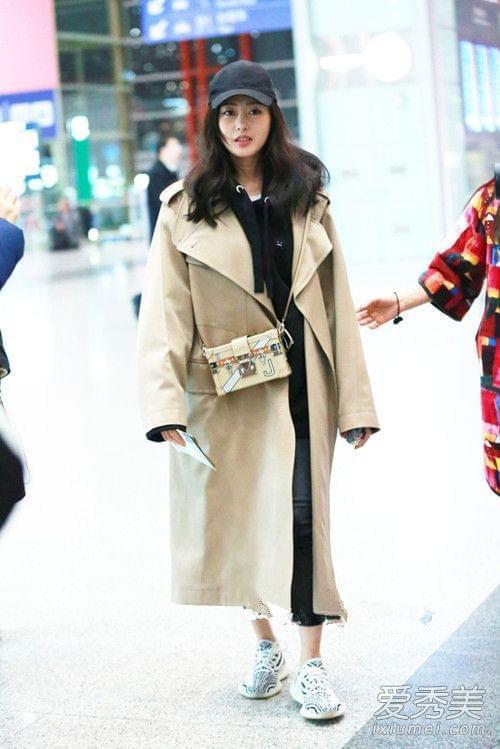 华语明星最新街拍 杨幂把烂衣服穿得好时髦图片
