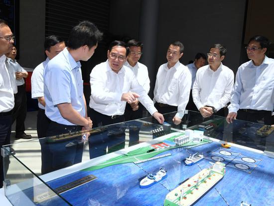 上海市委书记李强赴临港调研 强调发展高端产业