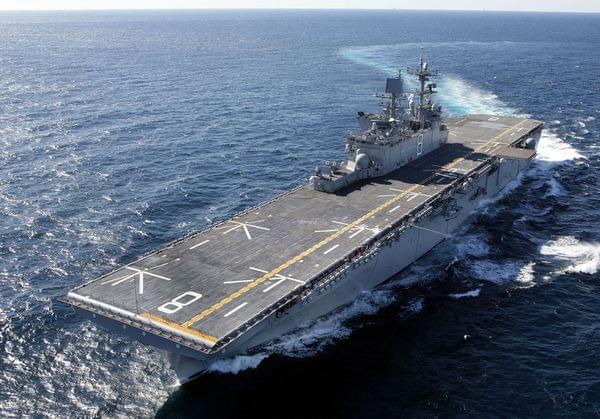 中国新一代大型两栖攻击舰:与美国黄蜂级相当