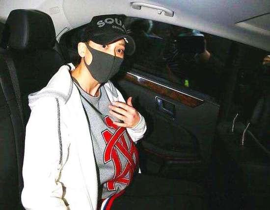 心疼陈乔恩酒驾被伤害 知情人:警察叫记者拍照