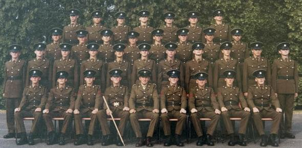 英国老兵晒诺基亚神机3310:服役17年不死的照片 - 2