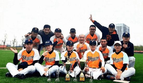 济南青春棒垒球俱乐部组织开展棒垒球进校园活动