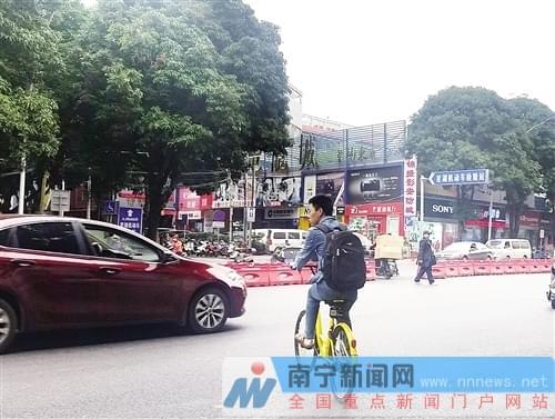 """交通乱象频现 别让共享单车成为新的""""马路杀手"""""""