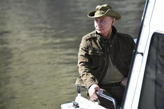 """美俄同步升级古董级""""大杀器"""" 还要再战30年?"""