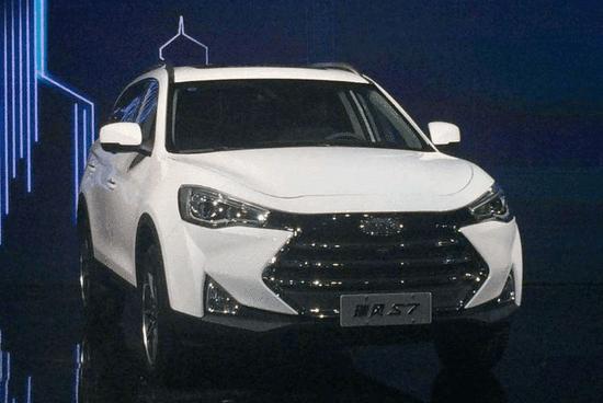 江淮旗下近40款产品亮相上海车展 瑞风S7预售价10.98万起
