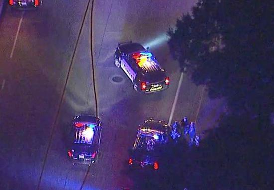 美国加州发生枪击案:疑数十人受伤 枪响了约30声