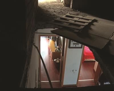 天花板上掉下一男子 原是业主屋顶私砸大洞惹祸
