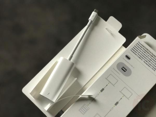 苹果 Thunderbolt 3-2 转换器开箱上手的照片 - 3