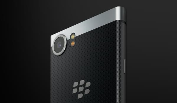 传统的直板全键盘机型 黑莓KeyOne正式发布的照片 - 8