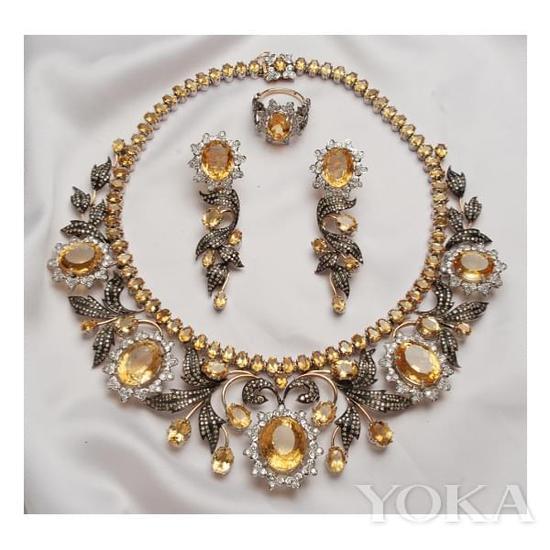 黄水晶古董珠宝套装。