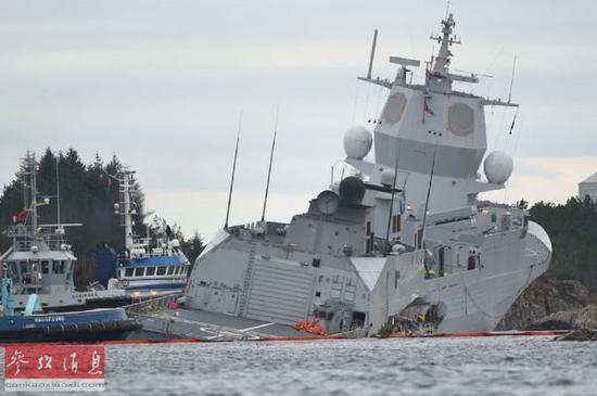 破口约10米长!挪威宙斯盾舰遭油轮撞击后搁浅倾覆