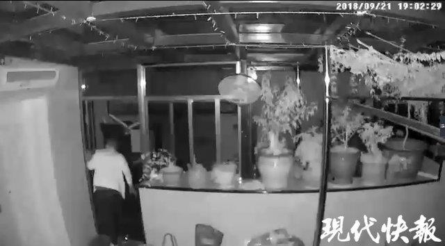 小偷太执着三次连偷同一家 被守候的警察当场抓获