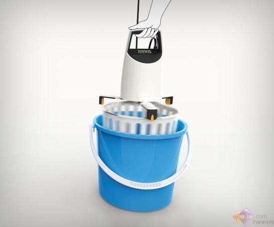创意至上!家中水桶竟然化身为便携洗衣机