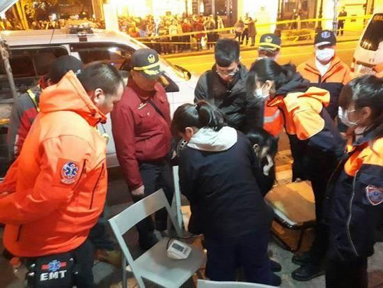 台北跨年炊火秀欣喜变惊吓 微风吹落焰砸向人群