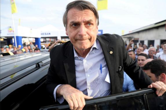 巴西总统候选人被刺伤 曾称警察可随意杀掉罪犯