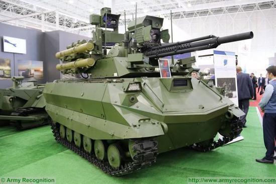 """资料图片:俄军""""天王星-9""""无人战车。"""