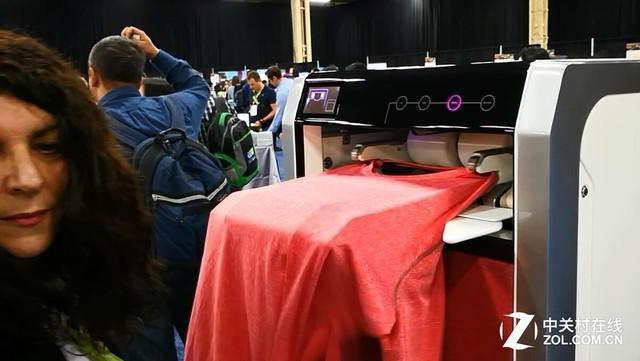 CES2018探展:自动叠衣机拯救手残的你
