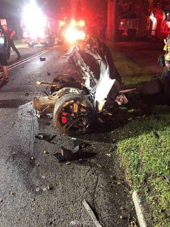 在美21岁中国留学生酒局后驾车撞树身亡车成两半