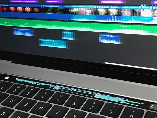 全新MacBook Pro评测:Touch Bar是亮点 但需要习惯的照片 - 17