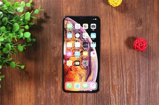 你遇到了吗?iPhone XS已出现这么多问题:信号门、美颜门……