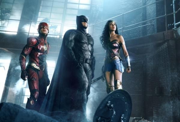 《正义联盟》公布新剧照:超人仍未现身的照片 - 3