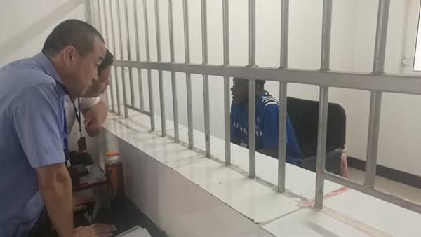 外籍男子冒充美国大兵诈骗 北京女子被骗589万元