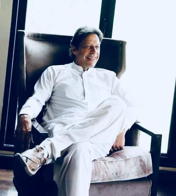 外媒:前板球冠军伊姆兰·汗宣布赢得巴基斯坦大选